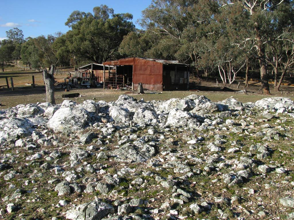 Exposed Quartz, and abandoned shead, Ophir, NSW