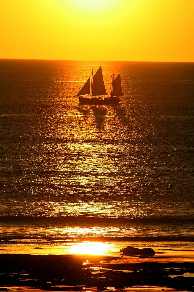 Broome : Cable Beach : Sunset Boat 1