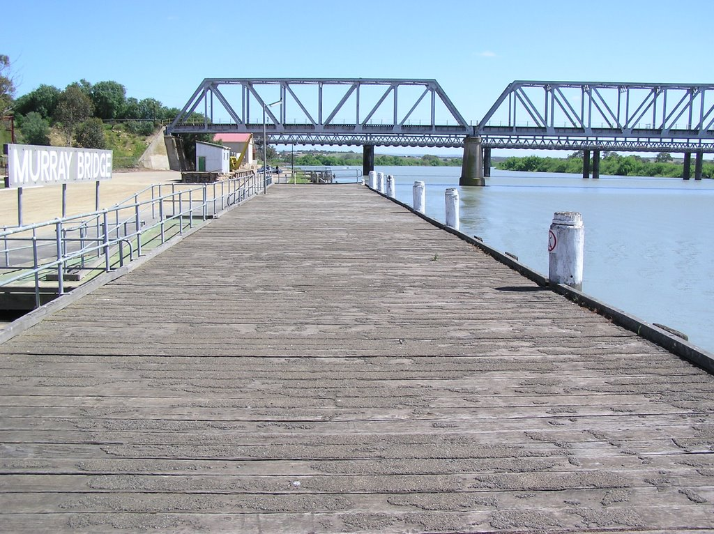 Wharf on Murray River at Murray Bridge