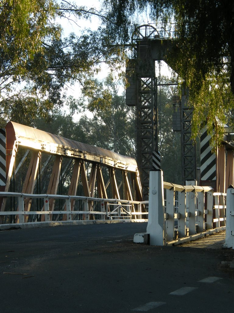 Town Bridge - Swan Hill