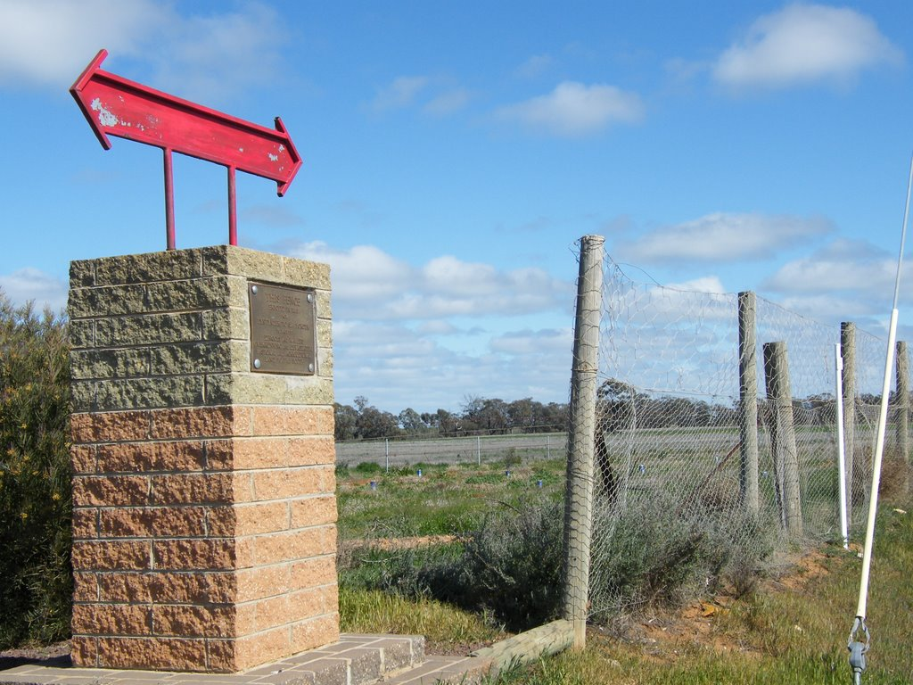 Rabbit Proof Fence Memorial - Beulah