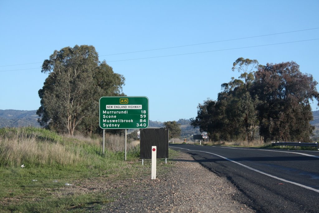 New England Highway, South from Willow Tree