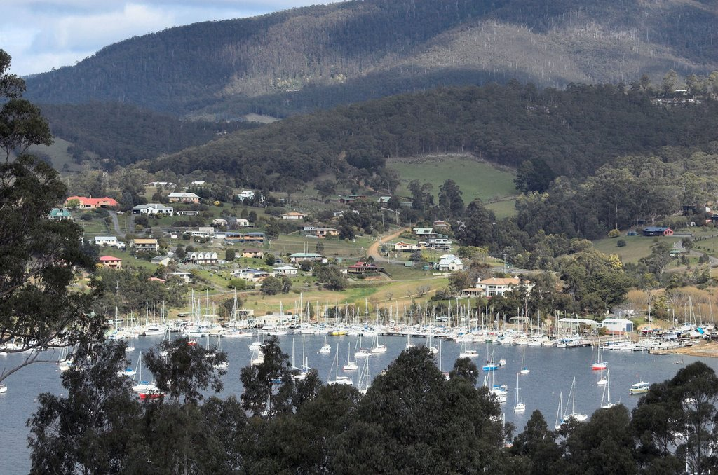 Kettering and Marina from Manuka Road