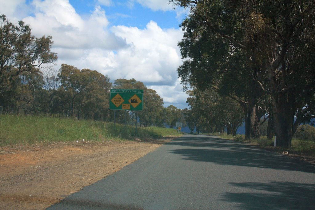 Port Stephens cutting, narrow road that joins the Northern Tablelands to the Dungowan Valley
