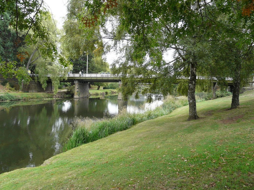 Meander River Deloraine