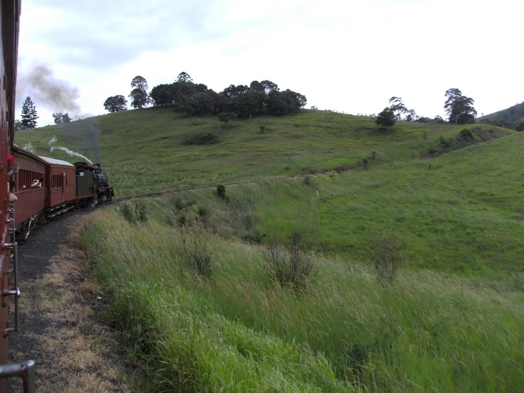 Right hand bend on the c17 802 Mary Valley Rattler heading towards the Kandanga Bank