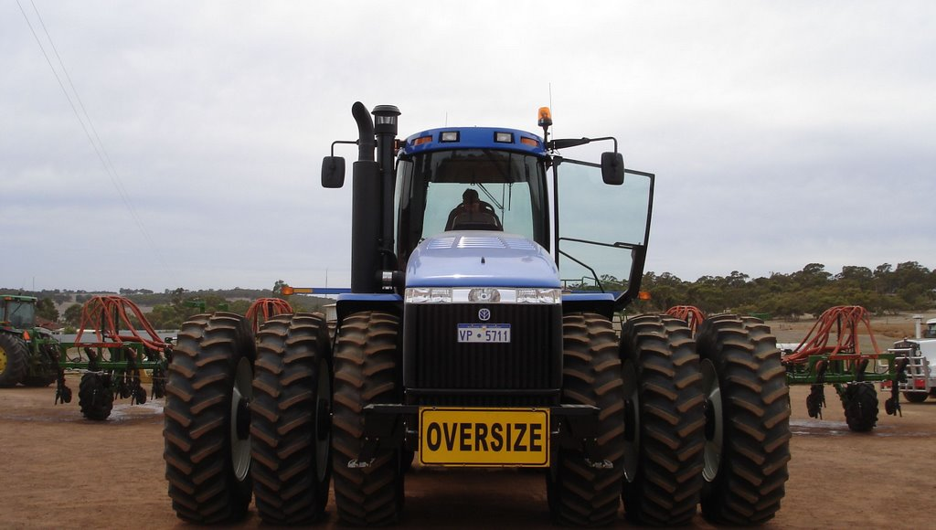 New Holland TJ450 Tractor