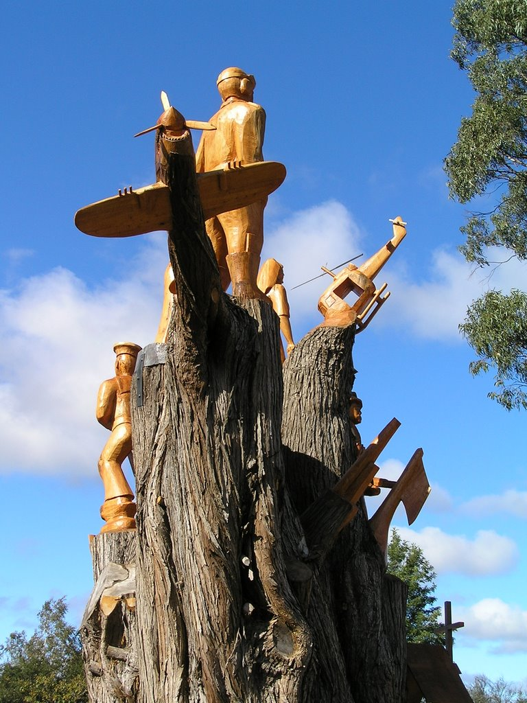 ANZAC memorial, Scottsdale - carved macrocarpa tree