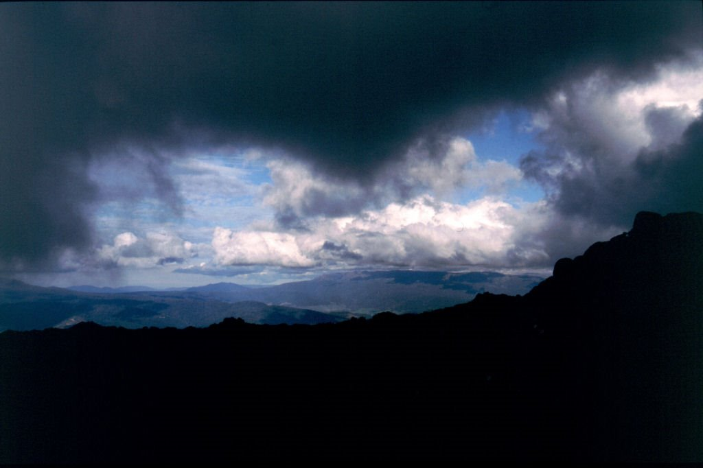 Clouds and Ben Lomond from Mt Barrow