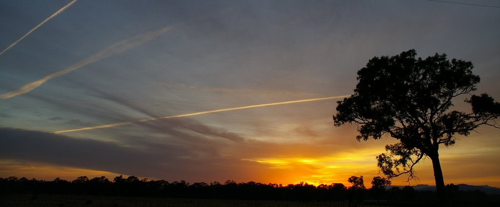 Sunrise over Oxley, Victoria