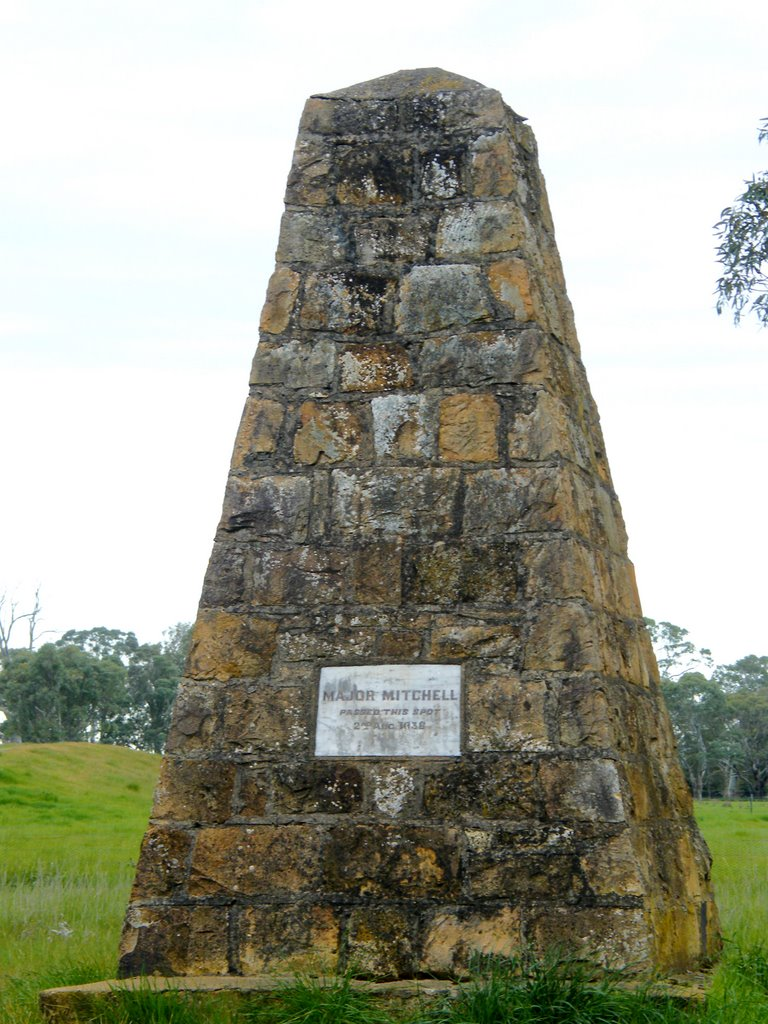 Major Mitchell Cairn