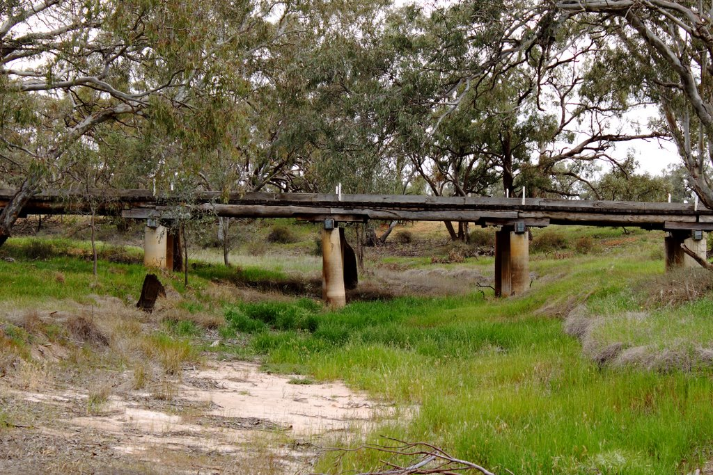 Quambatook Sth Road Bridge (not for heavy loads)