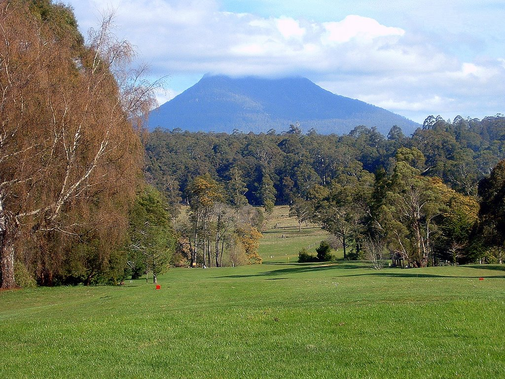 Deloraine Golf Course with Quamby Bluff in background ......    157