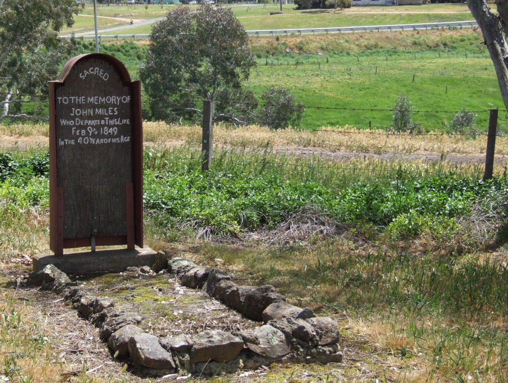 The Oldest of its type...oldest redgum timber headstone in Vic