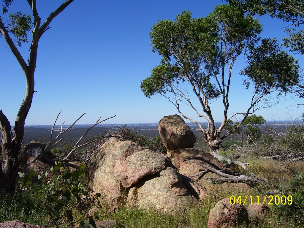 Granite marbles at Mt Killawarra - Warby Range State Park