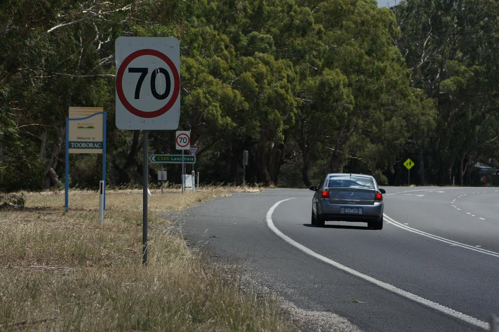 Speed zone signs @ Tooborac (2010). Heed the signs and keep a look-out for the speed camera car