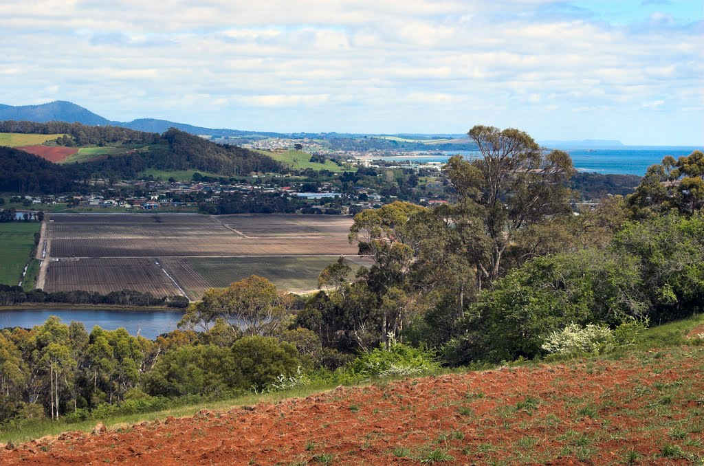 Turners Beach and Ulverstone from Braddons Lookout