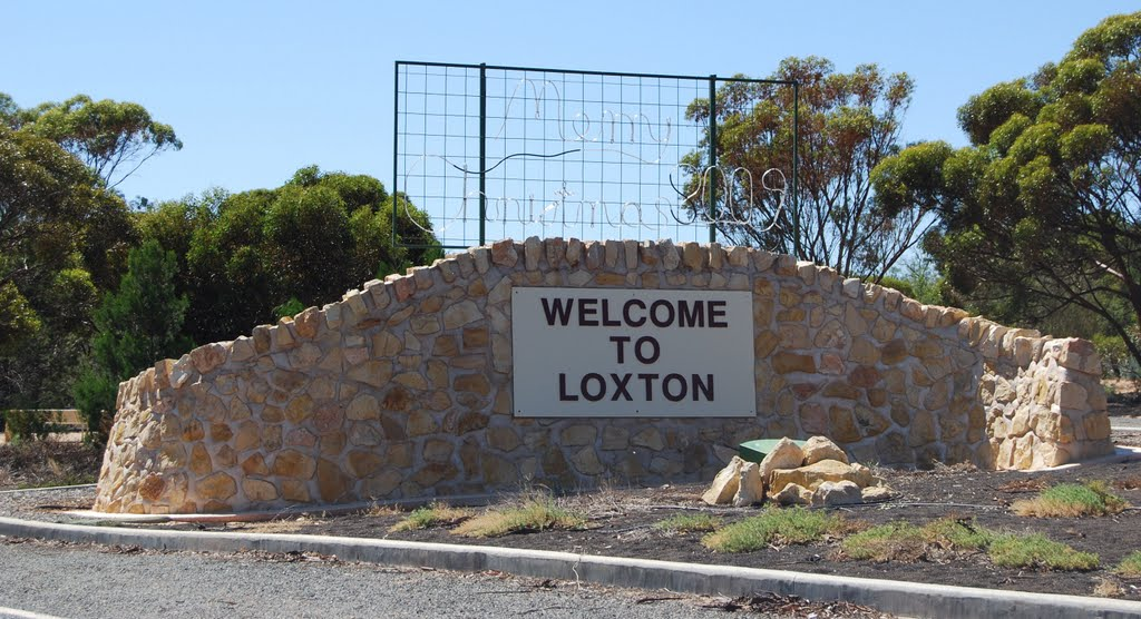 """Welcome to Loxton"" - street entrance wall"