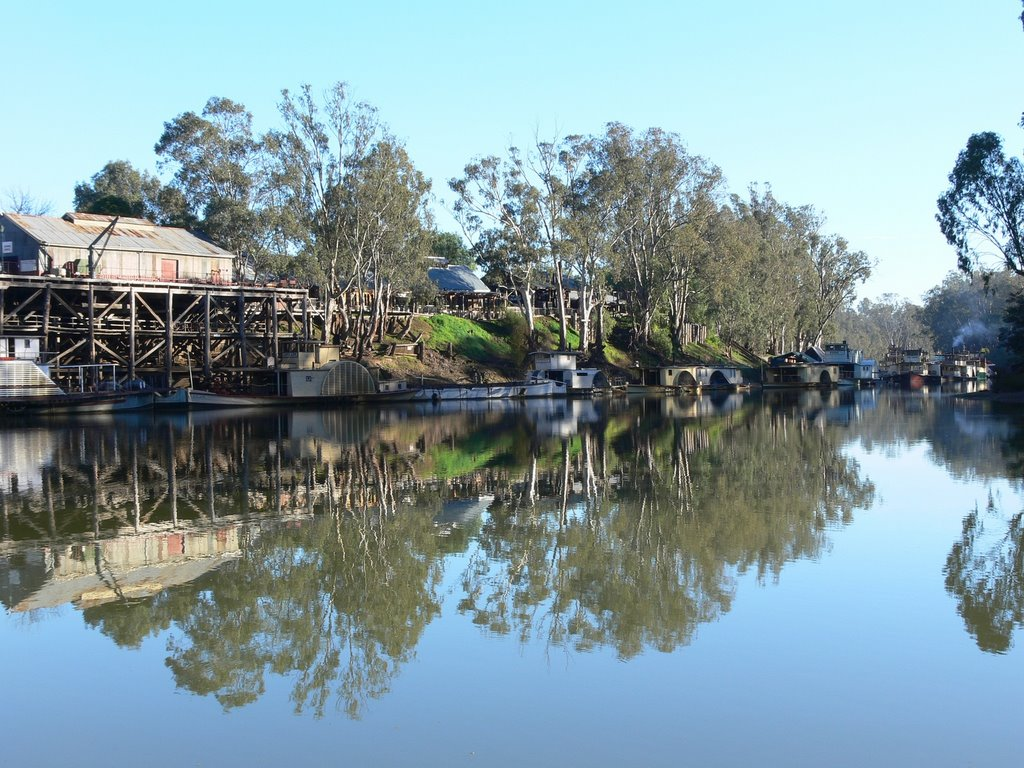 Echuca  Wharf & Paddlesteamers, on the Murray River