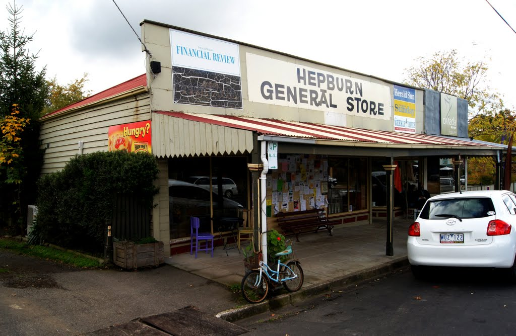 Hepburn General Store (2010). A country milkbar with a difference. Great takeaway food including real coffee made on the spot, freshly made bread and goodies