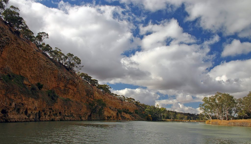 The Waikerie Cliffs on the Murray