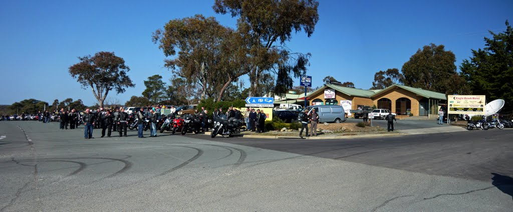 Eagle Hawk Hotel. Bikers from all states meet prior to riding to the Police Memorial Wall in Canberra (18 Sept, 2010)