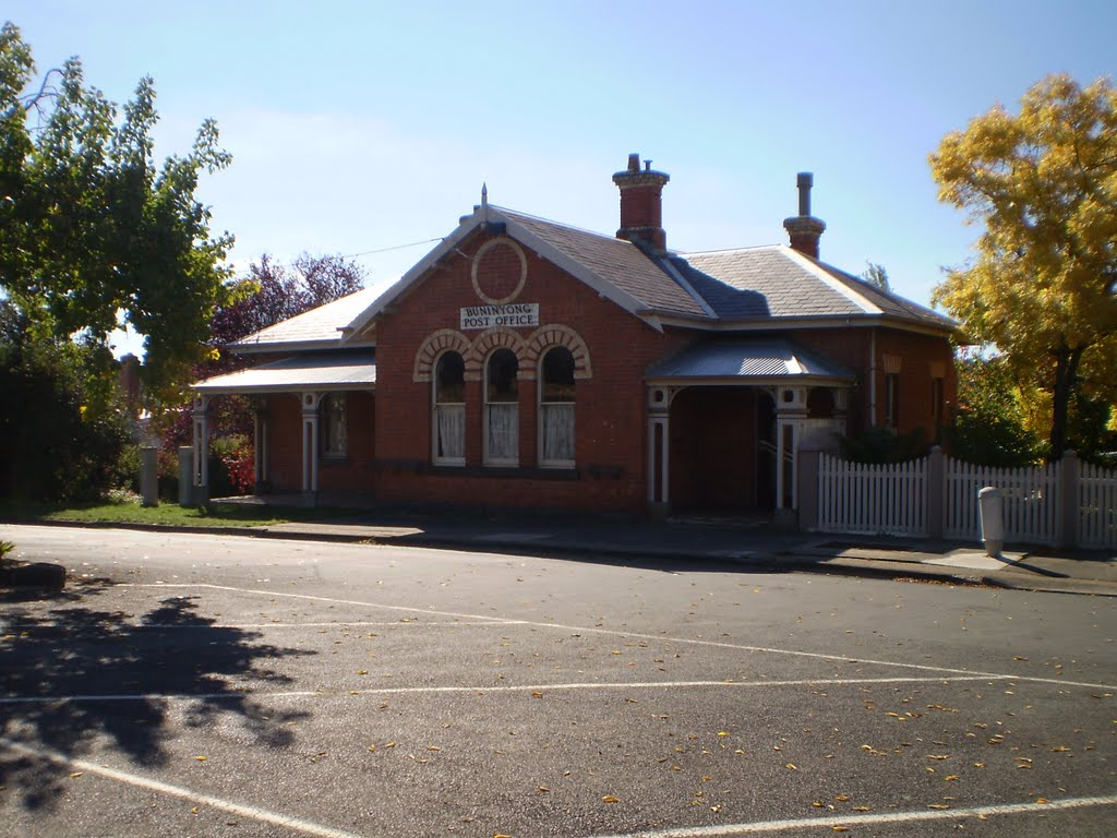 Buninyong  Post  Office