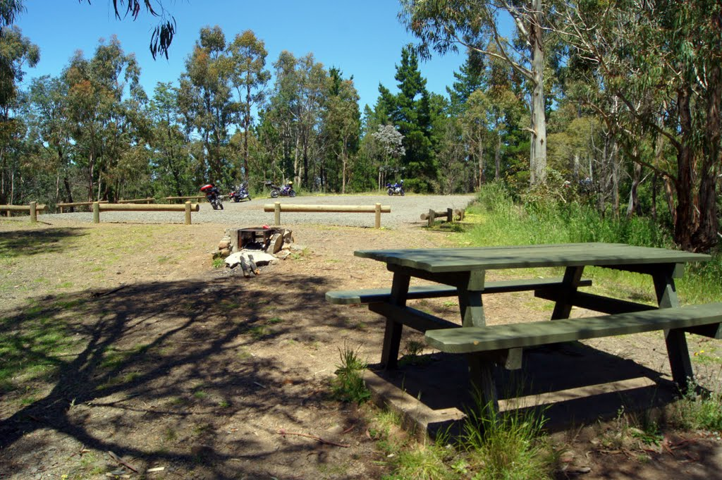 Mt Franklin (2010), or Lalgambook as it was known by the Dja Dja Wurrung, a sheltered extinct volcanic crater, provides ideal surroundings for a picnic or short term camping