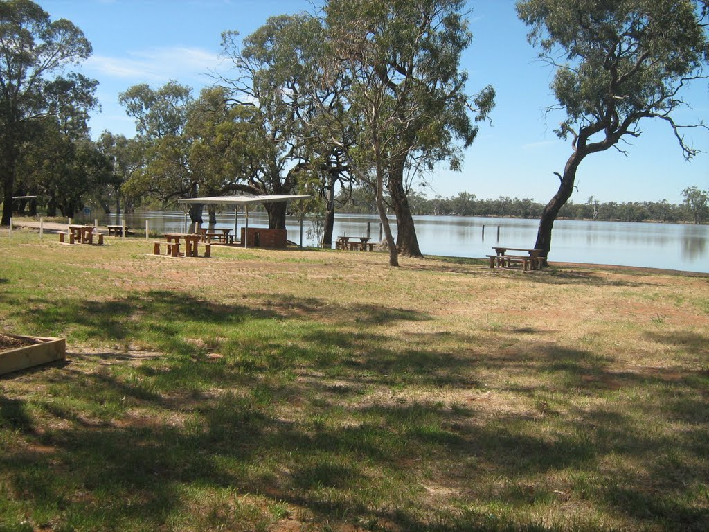 Lake Wooroonook near Charlton, Vic