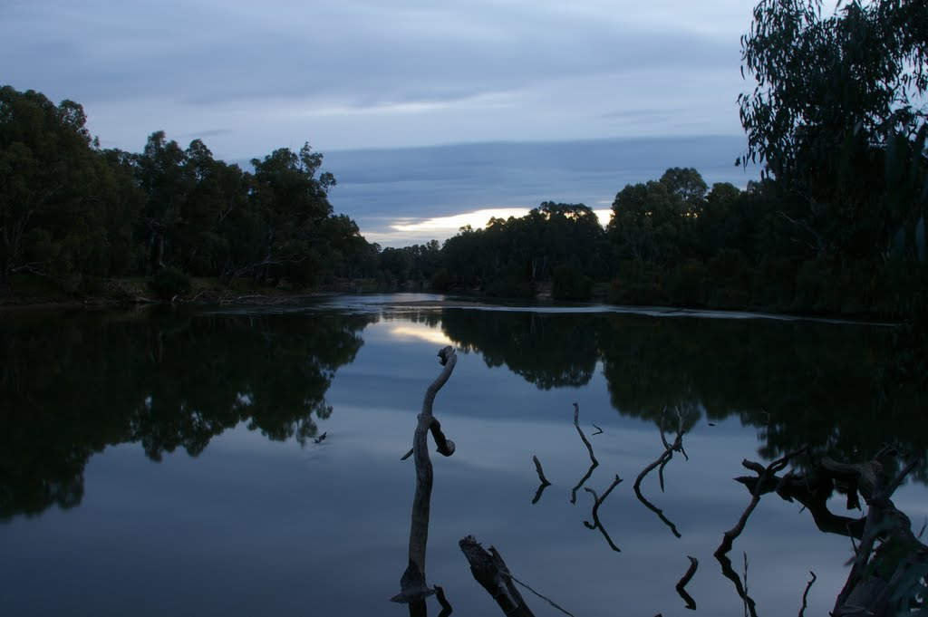 Dusk on the Murray River