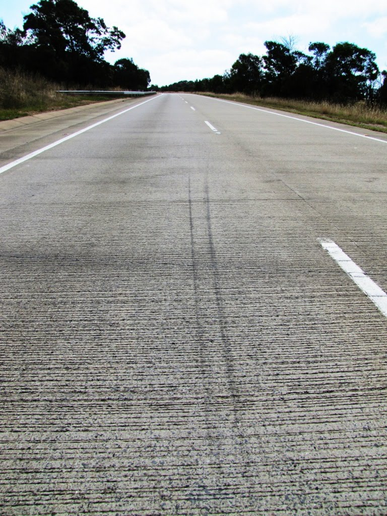 The Hume Highway between Goulburn and Yass