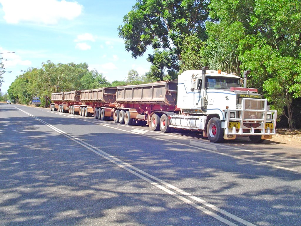 Aidelaide River, Road Train