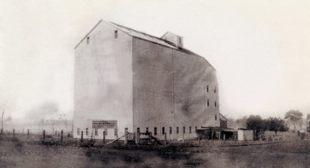 Original Kingaroy Peanut Silos built by L. R. Stehbens.