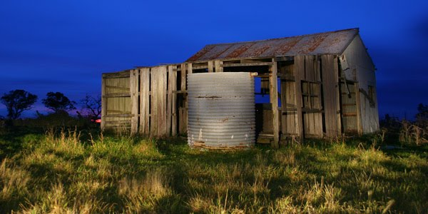Old shed by David Gibbs
