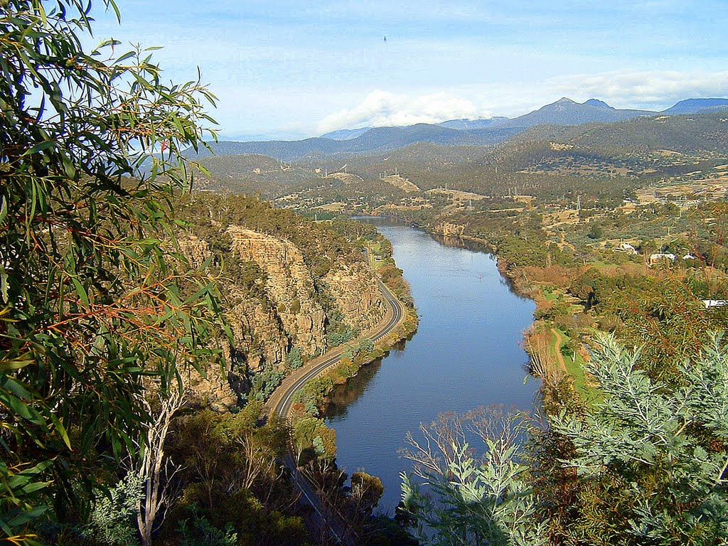 Derwent River seen from Pulpit Rock, looking downstream.......289