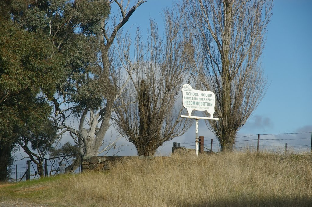 Old Nubba School House B & B, Wallendbeen