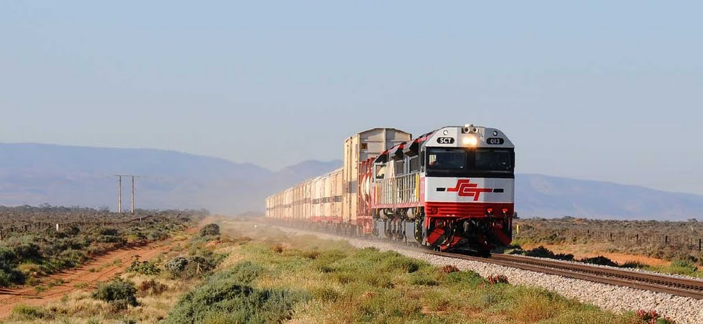 One of the SCT trains nearing Port Augusta and here in action http://www.youtube.com/watch?v=fJyTDMLOh8o