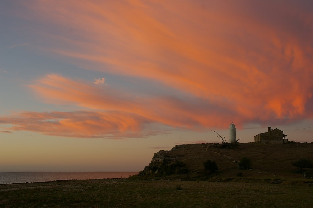 Dusk, Point Malcolm Lighthouse, 22 March 2008