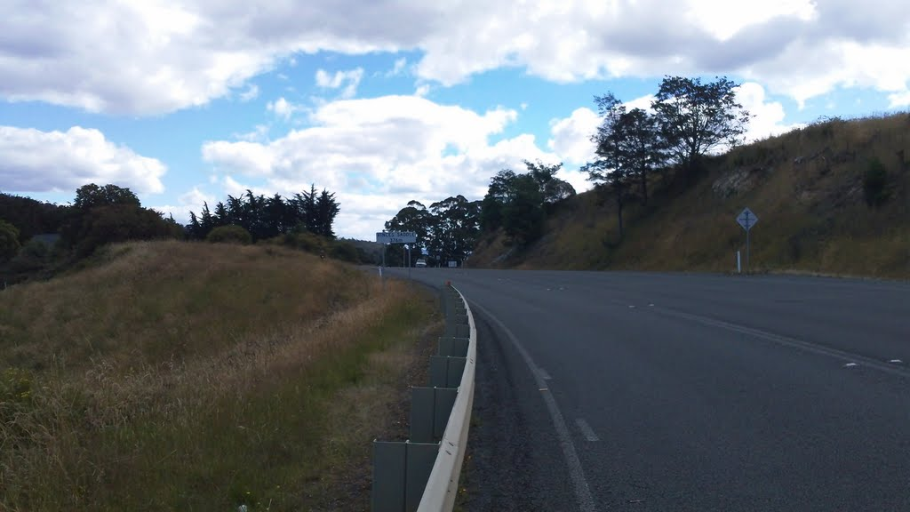 Huon Highway - Vinces Saddle 376 metre(highest point)