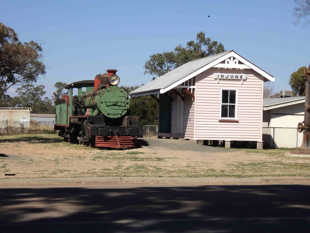 Steam Loco and Station Display in Injune