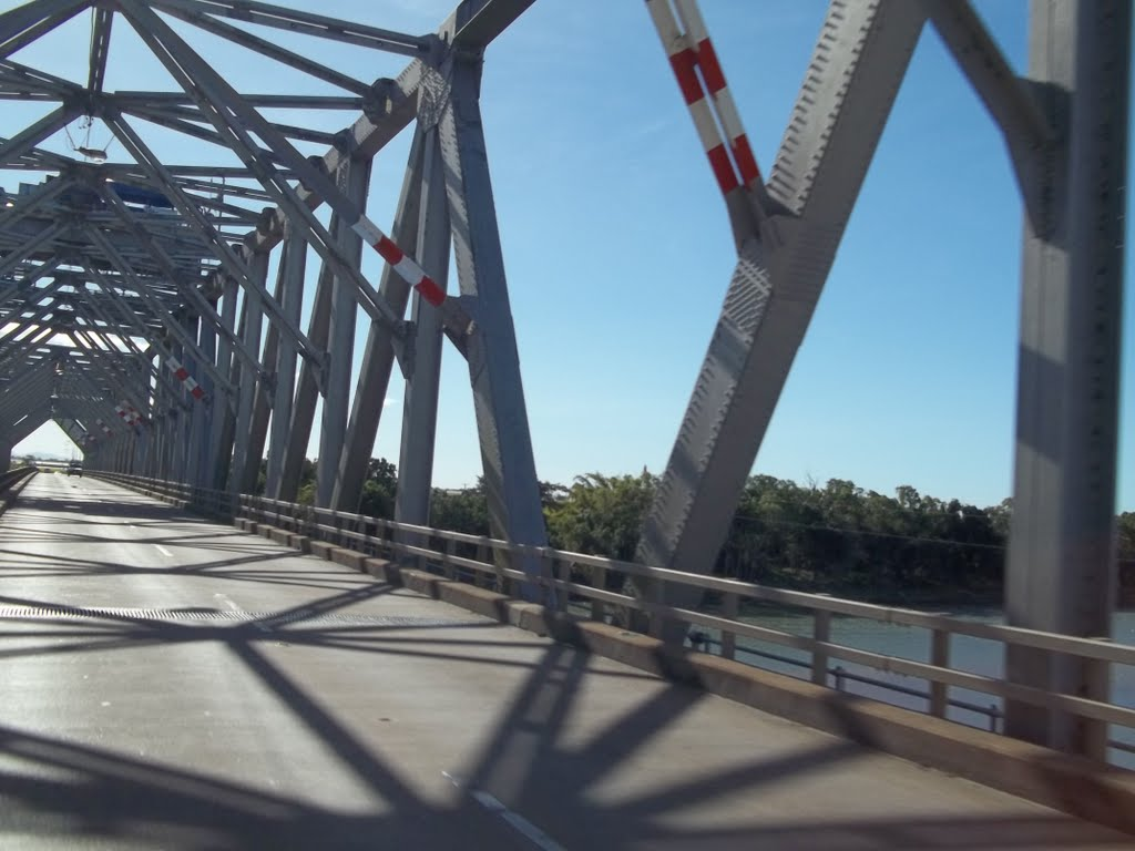 Burdekin River, Silver Link Bridge between Ayr+Home Hill, Road+Rail