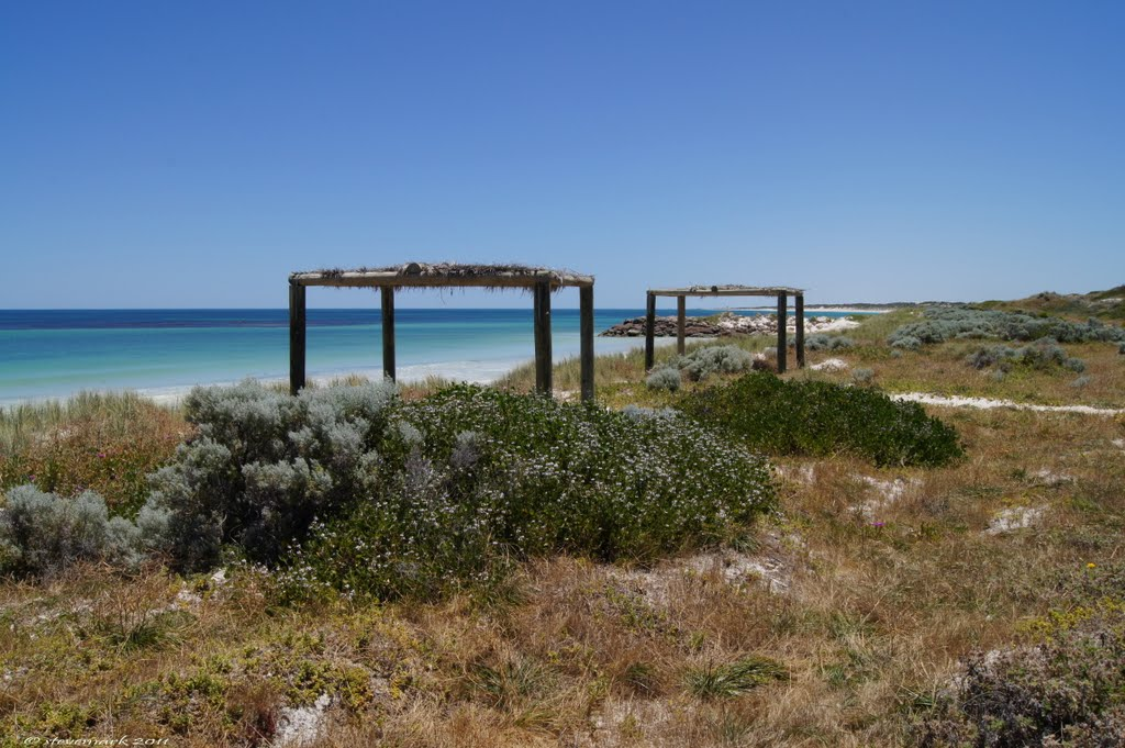 Distance Between Ledge Point And Geraldton. How Many Miles