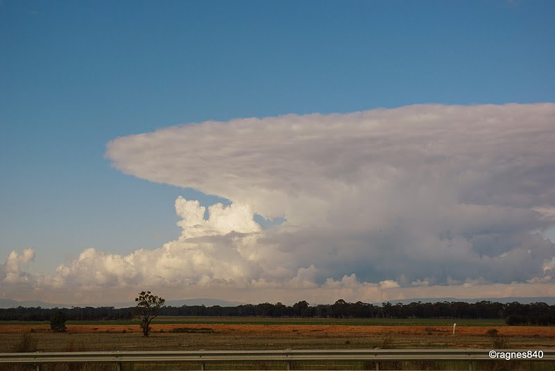sky over goulburn valley hwy. Au.
