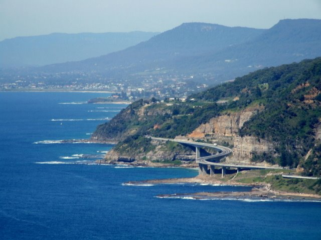 0444 Sea cliff bridge on coastal highway as seen from Bald Hill Lookout