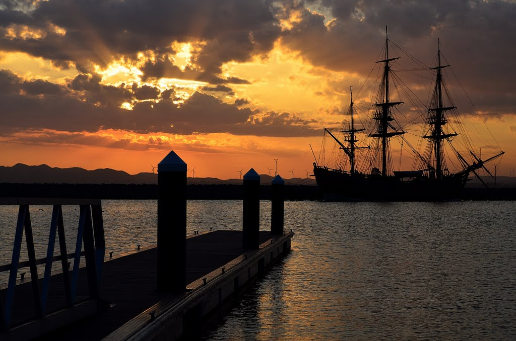 Albany Summer sunset & HMB Endeavour