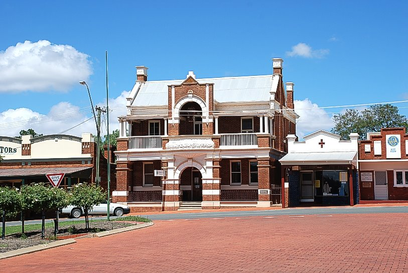 Ex National Bank Building Coolamon