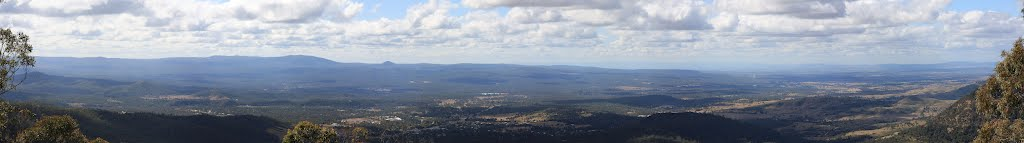 Forests of the South-East Queensland, Panoramic view from the Picnic Point, Toowoomba, Queensland, Australia