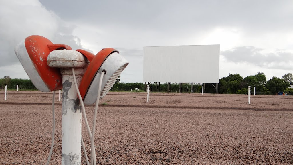 Starlight Drive In, Ary, Qld. (Video on my yourtube)