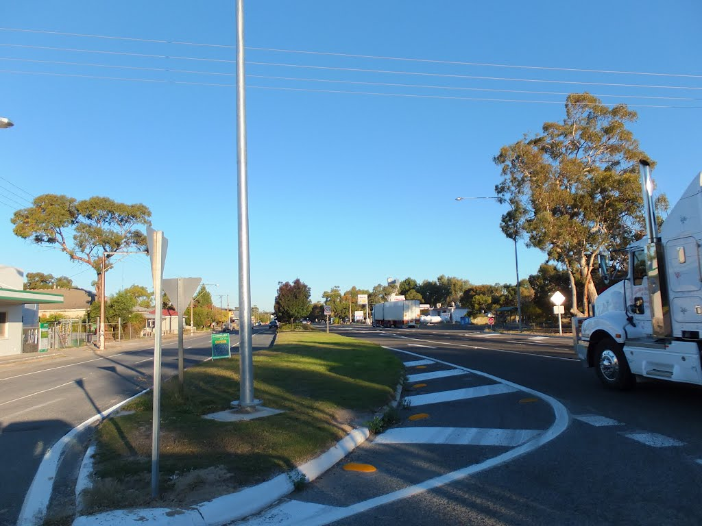 Looking along the Dukes Highway in the town of TINTINARA, on 16-04-2012