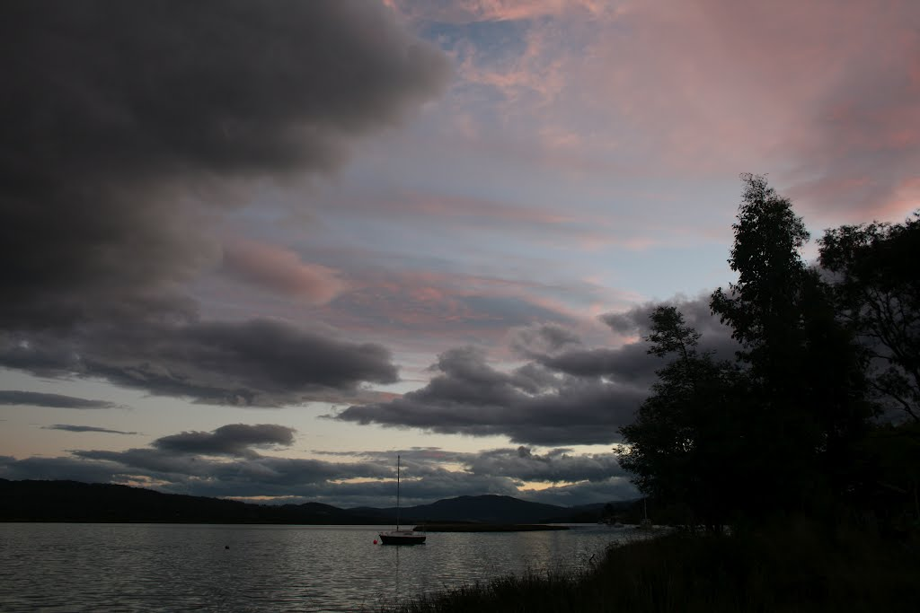 sunset on the Huon River